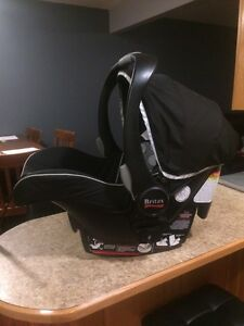 Britax B safe car seat and base for sale Moose Jaw Regina Area image 3