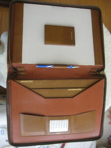 GORGEOUS DELUXE FULL GRAIN SMOOTH GENUINE LEATHER PORTFOLIO