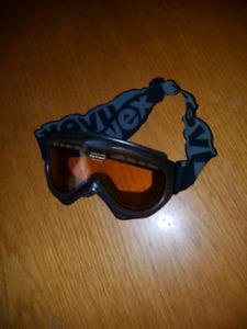 UVEX Senior snowboarding/skiing goggles