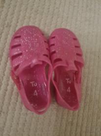 Baby foot wear