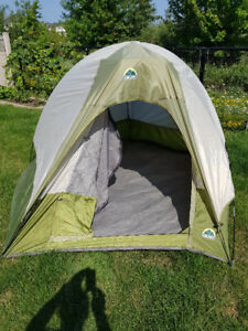 Pentagon dome tent, 4 person with 2 self-inflating mattresses