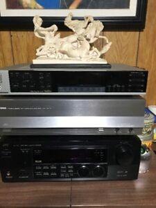 YAMAHA POWER AMP AND JVC RECEIVER. VINTAGE. IMMACULATE CONDITION