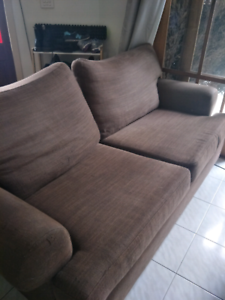 Super comfy 2 1/2 seater couch