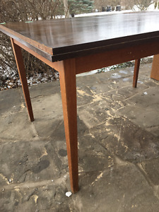 Dining room table - retro