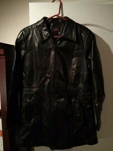 Manteau de cuir pour femmes