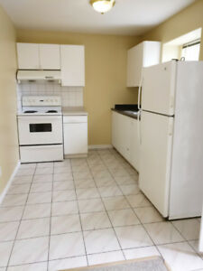 3 bedroom 2 bathroom ground level floor suite Joyce-Killarney