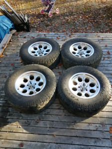 285 70 17 Tires and Rims