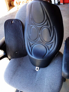 CALIFORNIA CUSTOM SEATS SOLO SEAT FOR HARLEY DYNAS