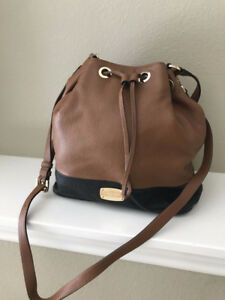 MICHEAL KORS PURSE - TAN/BLACK - GREAT XMAS GIFT