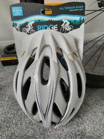 New Ridge bicycle helmet
