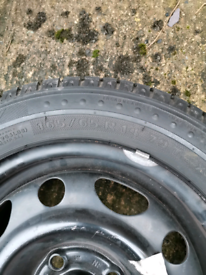 Tyre 165/65 14 Michelin practically brand new.