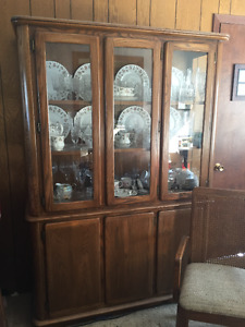 oak diningroom table chairs and china cabnet