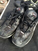 Size 9.5 Nike Football shoes - Very Good Conditon