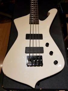 Ibanez Iceman Bass