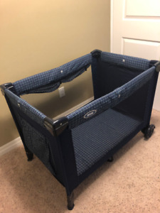 Baby bassinet - baby playground - portable - foldable