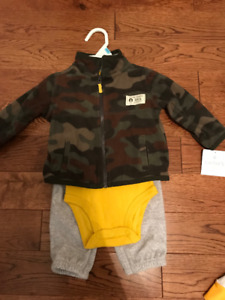 BNWT 6 Month 3-Piece Fleece Outfit