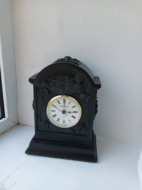 Clock /bronze