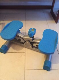 Hydraulic exercise stepper