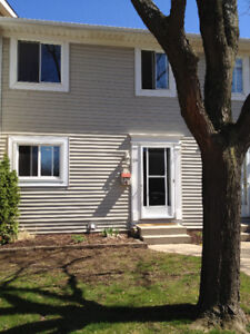 3 Bedroom Townhouse - $1,550 - St. Catharines