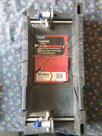 Adjustable mitre