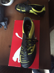 Chaussures RUGBY homme PUMA neuves