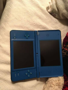 NINTENDOS DS (2) GREAT WORKING CONDITION