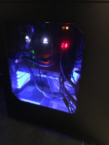 PC - ORDINATEUR - CUSTOM BUILD + Keyboard mouse and monitor