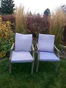 Patio chairs with cushions buy or sell patio garden for Outdoor furniture kijiji