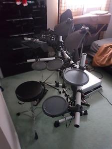 Yamaha electric drum set 500 obo