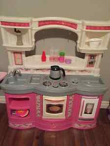 Just like home girls play kitchen