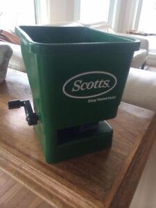 Scott's Hand Fertilizer Spreader