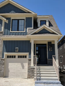 NEW RENTAL HOME IN BLUE MOUNTAIN COLLINGWOOD