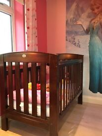 Boori Classic Cot/bed and Matching Baby Changer!