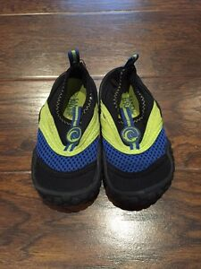 Size 7 Water shoes
