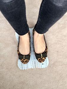 EUC Michael Kors leopard flats - size 5