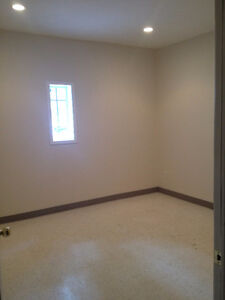 Central Office Space with Parking ALL INCLUSIVE Available May 1 London Ontario image 5