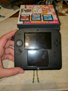 Nintedo 2ds brand new condition with games