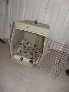 MEDIUM SIZE KENNEL WITH COMFORT BED