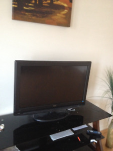 """32"""" TV in great condition"""
