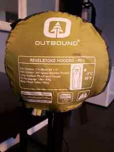 -3 sleeping bag outbound revelstoke hooded - good condition