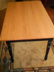 Oak Harvest table London Ontario image 1