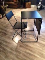 Table transformable noir et chaise ikea