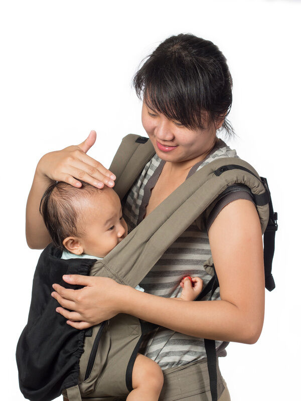 How to Buy a Baby Carrier That Is Good for Your Back
