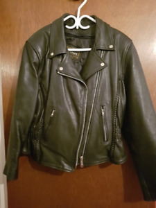 Manteau en cuir pour femme / Woman's leather jacket