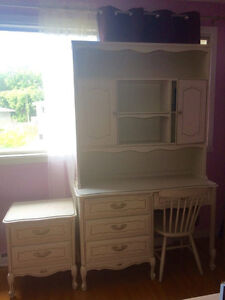Bedroom antique furniture for sale!! $400 whole set!