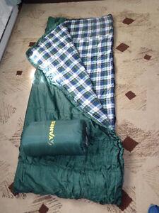 un sacs de couchage Yanes