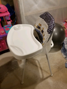 Children's feeding chair and table