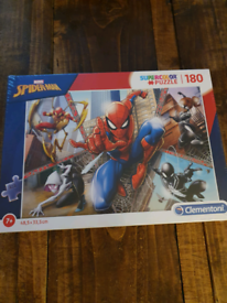 Marvel Spiderman 180 piece Jigsaw puzzle