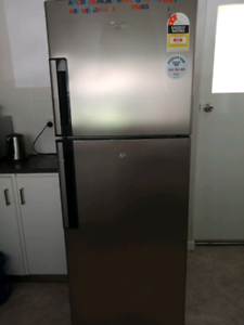 340 Litre Whirlpool fridge