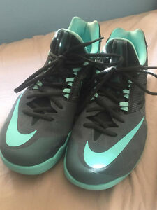 Nike Zoom Basketball Shoes - Mens Size 10